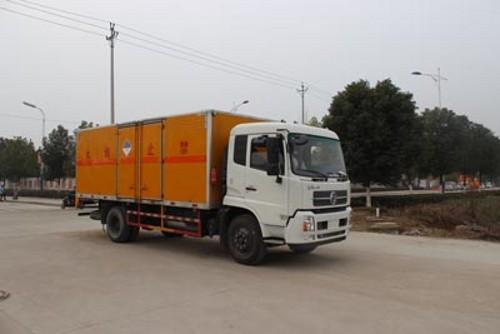 润之星牌SCS5160XZWD东风天锦杂项危险物品厢式运输车