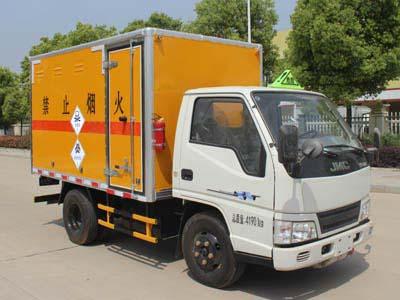 润之星牌SCS5040XDGJX型毒性和感染性物品厢式运输车